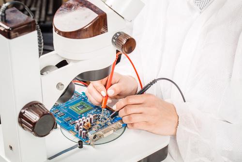 各種液晶モニターの回路設計、設計検証